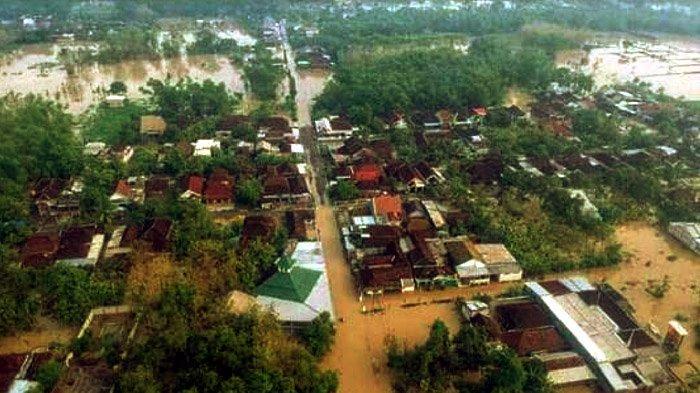 Awal Tahun 2020, 6 Desa di Gresik Direndam Banjir, Sampai Sekarang Debit Air Terus Meningkat