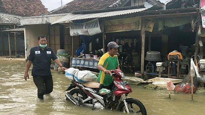 Musibah Banjir di Lamongan Semakin Meluas Hingga ke 6 Kecamatan, 4.156 Rumah Warga Terendam Air