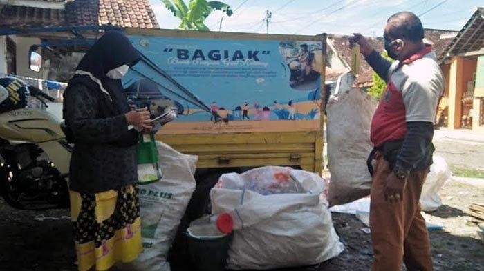 Tambahan Pendapatan di Masa Pandemi, Warga Banyuwangi Kumpulkan Sampah Rumah Tangga
