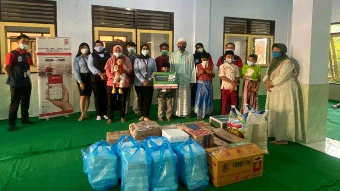 Tegaskan Komitmen Berbagi saat Ramadhan, Bank Sampoerna Cabang Malang Santuni 50 Anak Yatim