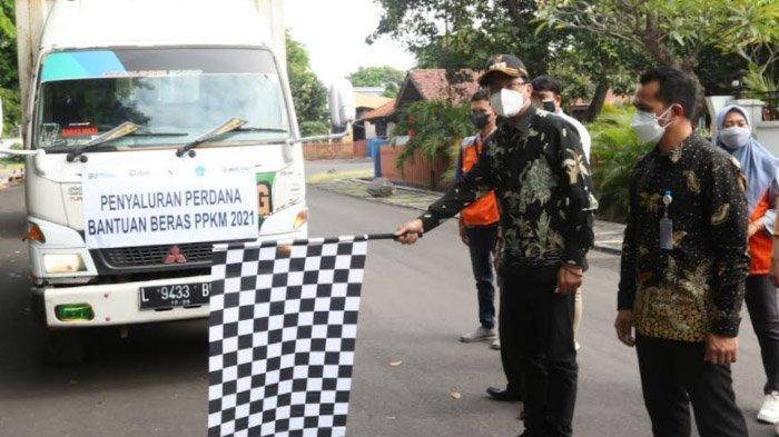 Ratusan Ton Beras Siap Disebar ke Puluhan Ribu Warga Sidoarjo, Pemkab Tambah 100.000 Paket Sembako