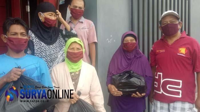 Anggota Fraksi Gerindra DPR RI Endro Hermono Bagikan 1.500 Paket Sembako untuk Warga Kota Blitar