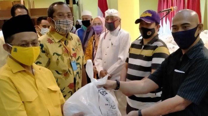 Bantu Warga Terdampak Covid-19, Golkar Jatim Sebar41.500Paket Sembako Ramadan