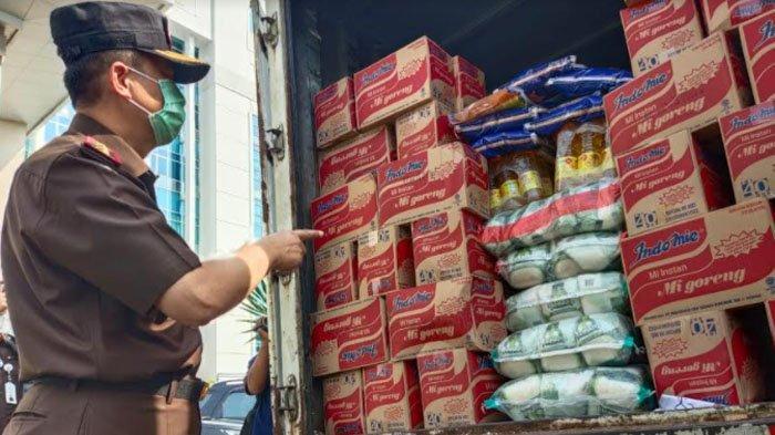 Kejati Jatim Kirim Bantuan Sembako Untuk Korban Gempa Bumi di Tiga Kabupaten Ini