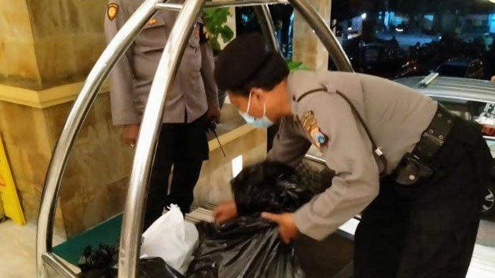 Sejumlah barang bukti yang diamankan petugas dari TKP, Minggu (28/2/2021)