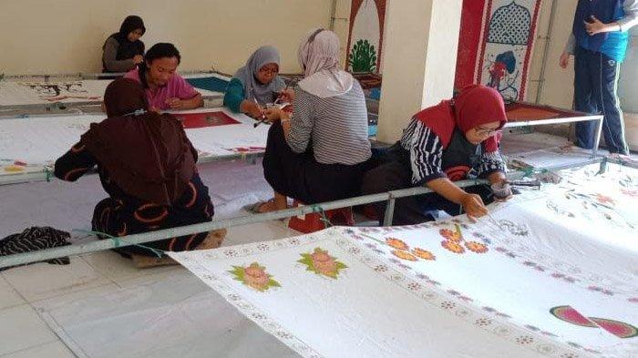 Dorong Kebangkitan Ekonomi usai Pandemi, Bupati Sugiri Ingin Pulihkan Kejayaan Batik Ponorogo - batik-dorong-perekonomian-ponorogo1.jpg