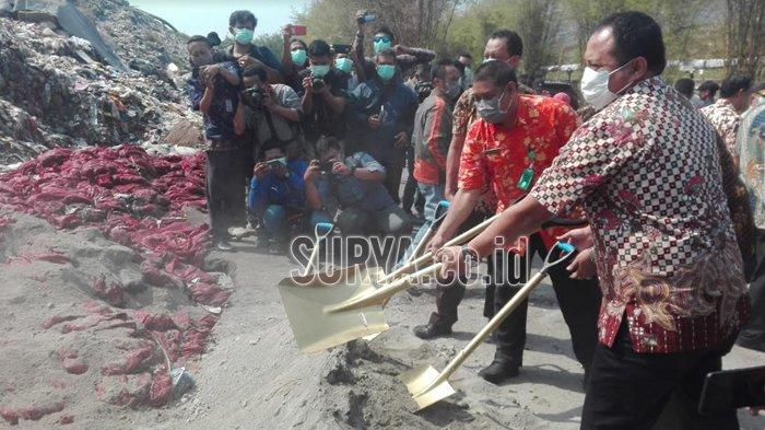 Bawang Bombai 70,7 Ton Asal India Dimusnahkan di TPA Benowo Surabaya dengan Cara Ini