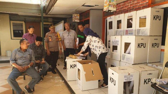 Ketua Bawaslu Gresik Tak Temukan Kecurangan saat Pembukaan Kotak Suara oleh KPUD