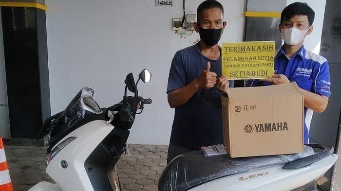Pria Ini Kumpulkan Uang Koin Rp 1000 dan Rp 500 Selama Setahun 7 Bulan untuk Beli Motor Lexi