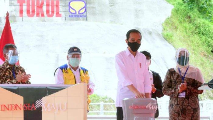 Dampingi Presiden Jokowi Resmikan Bendungan Tukul di Pacitan, Khofifah: 600 Hektar Irigasi Teraliri