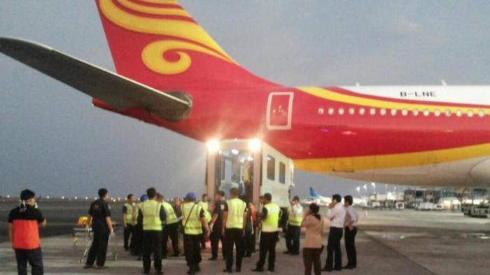 Pesawat Hongkong  Airlines Alami Turbulensi, 17 Penumpang Cedera, Mendarat Lagi di Denpasar