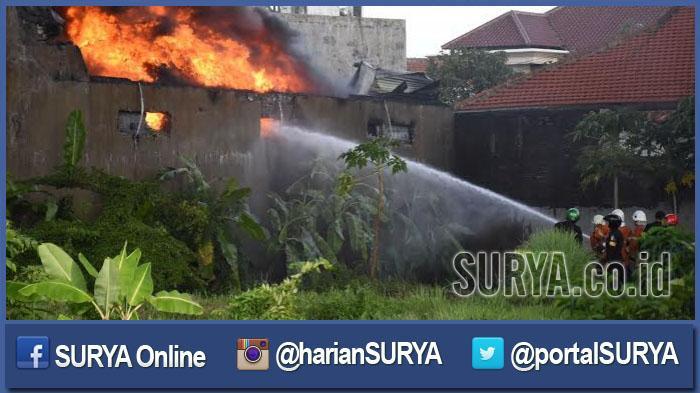 BREAKING NEWS - Cafe Glass  Jl Dharmahusada Terbakar