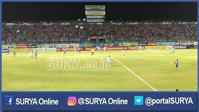 Babak I Persib Bandung Vs Persela Lamongan, Laskar Joko Tingkir Tertinggal 1-0 oleh Gol Joni Bauman