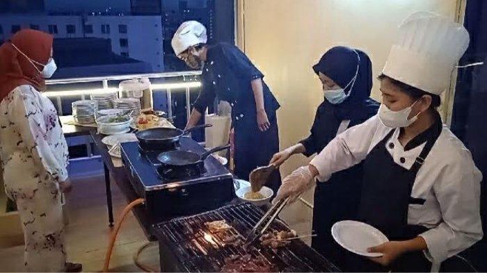 Menikmati Senja Sambil BBQ di Sky Lounge 147 Gold Vitel Hotel Surabaya