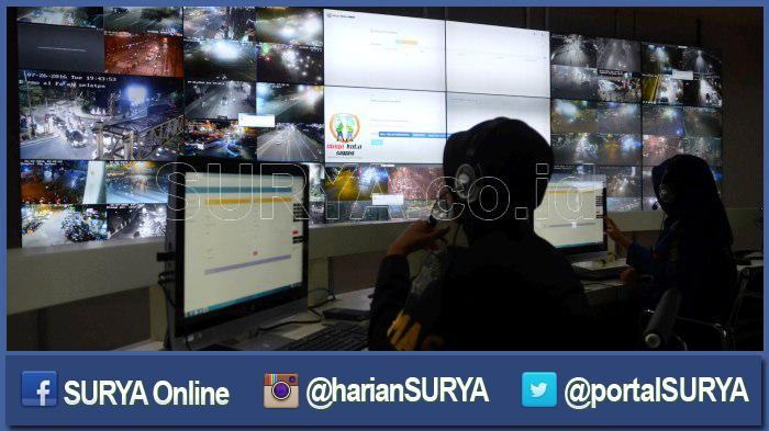 Datangi Command Center di Gedung Siola, Risma : Petugas di Sini Wajib Punya Nomor Instansi Terkait