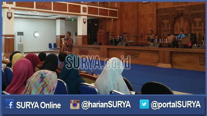 Aklindo Dorong Mahasiswa Surabaya Berinovasi Memanfaatkan Energi Terbarukan