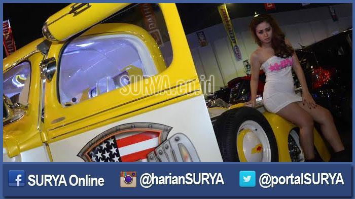 GALERI FOTO - Ketika Ratusan Fotografer Jepret Belasan Model Sensual di Surabaya - berita-surabaya-model-cantik-mulus-sensual_20160320_195513.jpg