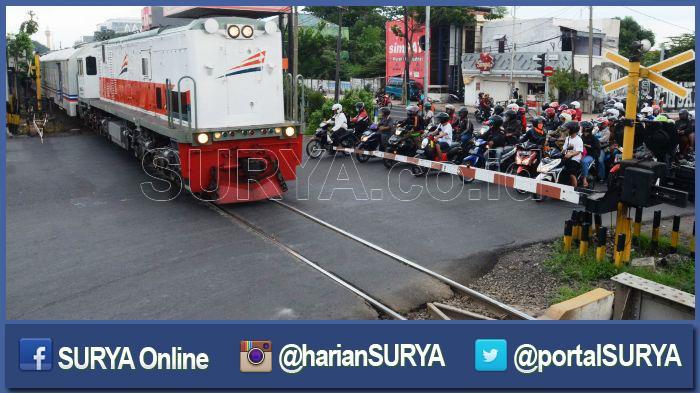 Perlintasan KA Bikin Macet di Jalur Mudik Selatan Jatim, Segera Bangun Underpass