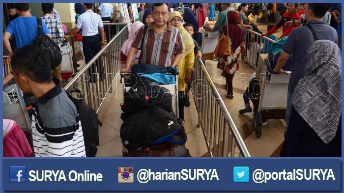 Arus Balik Lebaran, Barang Bawaan Penumpang di Bandara Juanda Naik 67 Persen