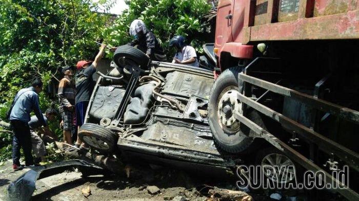 Toyota Yaris yang Dihantam Truk di Gresik Itu Dalam Perjalanan dari Malang Menuju Jakarta