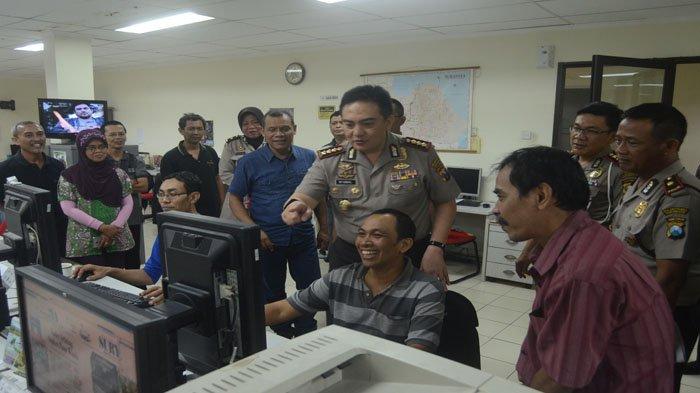 Kapolrestabes Surabaya lakukan Tradisi Berkunjungan di Harian Surya