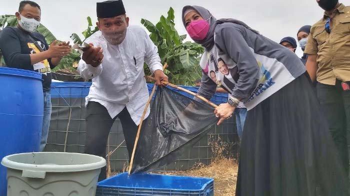 BHS Ikut Panen Ikan Mujaer Bareng Warga di Desa Banjarkemantren, Buduran