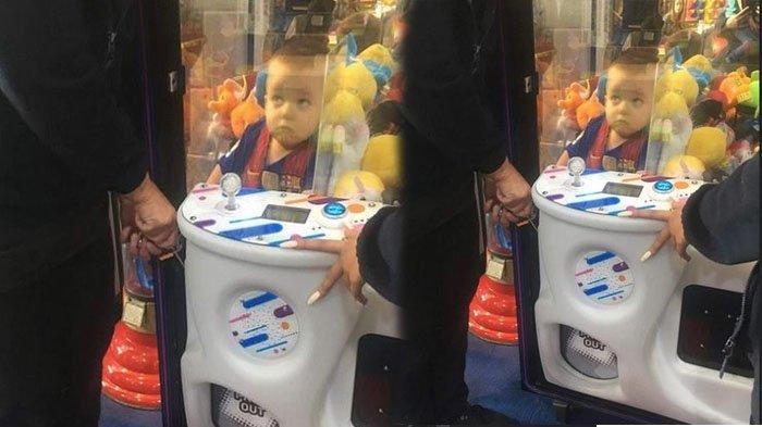 Pingin Boneka Beruang, Bocah 3 Tahun Malah Masuk Mesin Permainan, Reaksi Ibu Diluar Dugaan