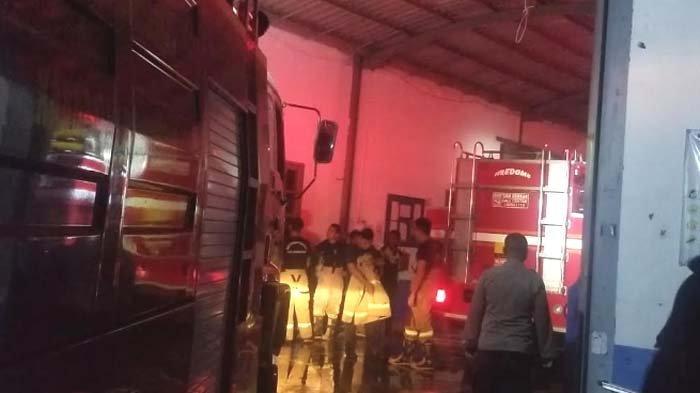 BREAKING NEWS - Pabrik Sepatu di Bojonegoro Terbakar, ini Pemicunya