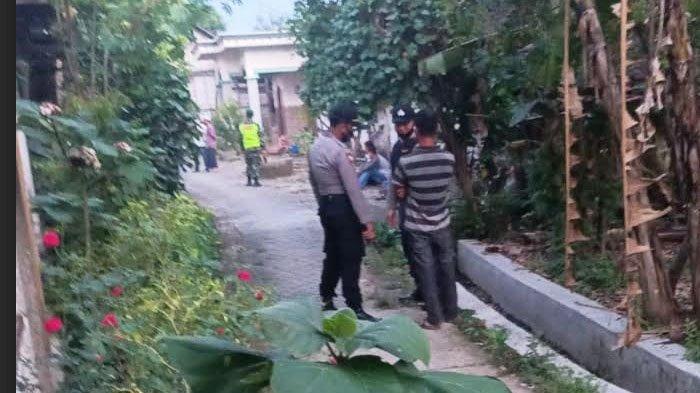 Densus 88 Geledah Rumah Terduga Teroris di Bojonegoro, Pak Kades Ungkap Barang yang Diamankan