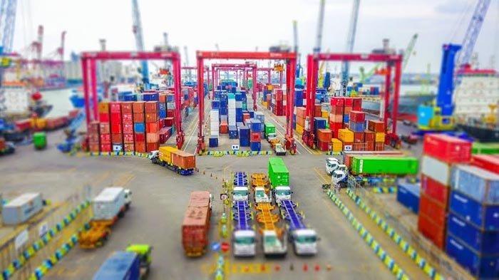Pelindo III Catat Pertumbuhan Arus Kapal dan Barang di Semester I/2021