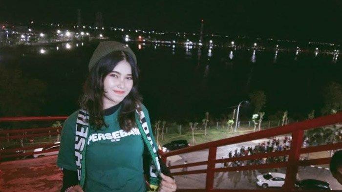 Bonita Salma Falista Salsabilla : Merasa Terhipnotis dengan Kreativitas Suporter Persebaya Surabaya
