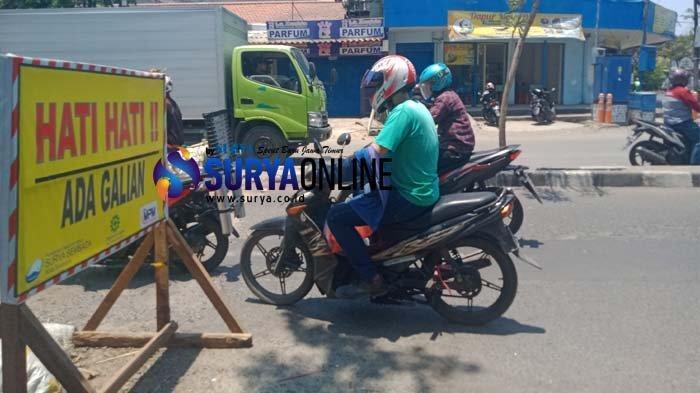 Warga Bratang Surabaya Keluhkan Debu dari Pengerjaan Box Culvert yang Mangkrak