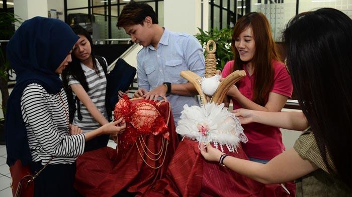 Inilah Bra Mahasiswa Ubaya yang Dipersembahkan untuk Penderita Kanker Payudara