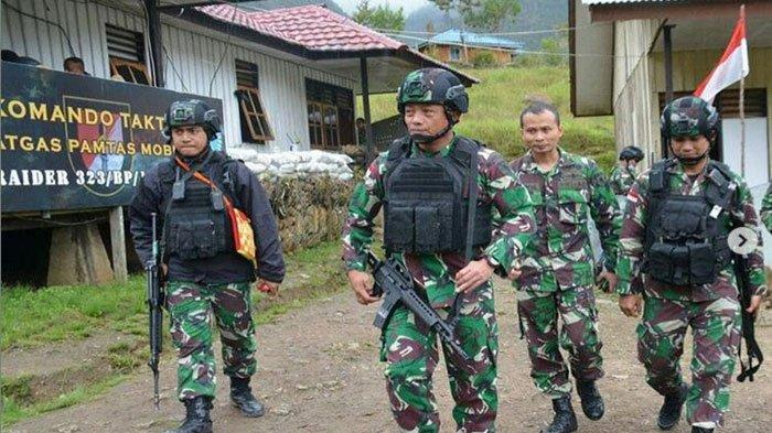 Brigjen TNI Izak Pangemanan saat Turun ke Daerah Rawan KKB Papua