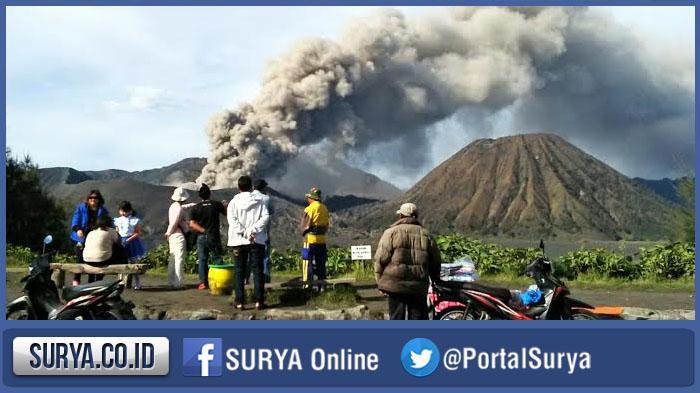 Gunung Bromo Tetap Buka Meski Kemarin Meletus, TNBTS: Wisatawan Dilarang Mendekat 1 Km dari Kawah