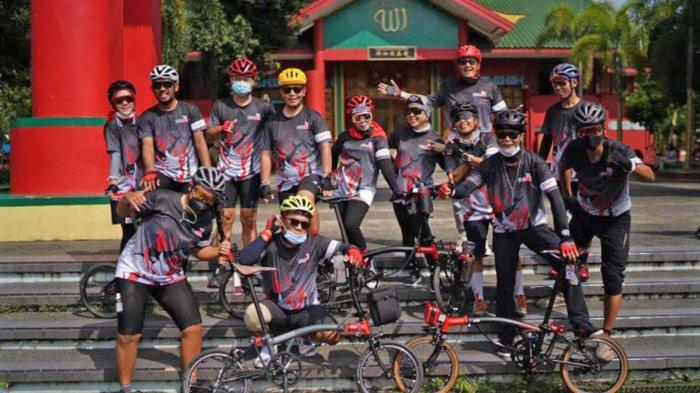 Dukung Sport Tourism, Hotel Santika dan Brompton CHPT3 Owners Indonesia Gelar Trip Surabaya-Malang