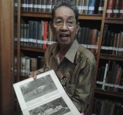 Jadi Murid Pramodya, Hwie Koleksi Buku Kuno Mulai 1891