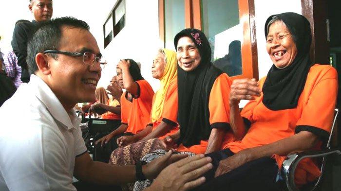 Banyuwangi Gulirkan Program Perawatan Lansia Pertama di Indonesia:Semua demi Memuliakan Orang Tua