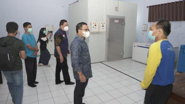 Bupati Anas Cek Kesiapan Vaksinasi, Data Tenaga Kesehatan yang Siap Divaksin Hampir Rampung