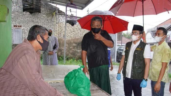 Update Corona di Bangkalan: Pasien Sembuh Meningkat, Bupati Ra Latif Semangati Warga dengan Sembako
