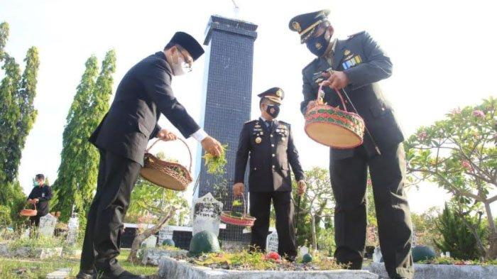 Bupati Anas Pimpin Upacara Hari Pahlawan 10 November di Kantor Pemkab Banyuwangi