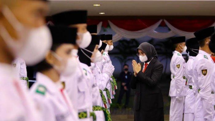 Bupati Banyuwangi Kukuhkan Pasukan Pengibar Bendera Merah Putih