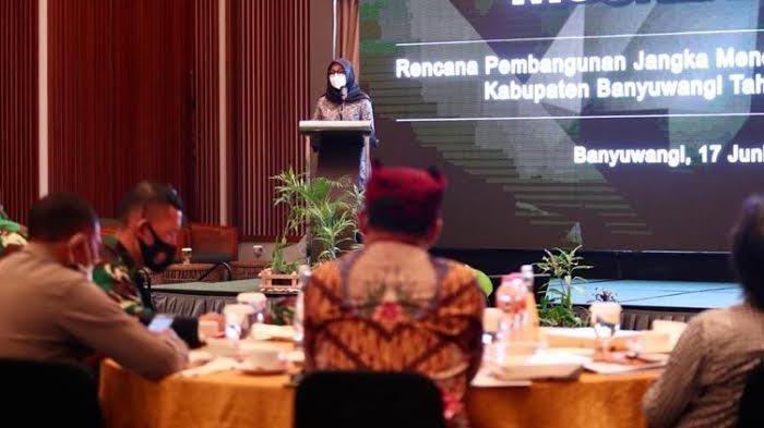 Lima Strategi Bupati Banyuwangi untuk Percepatan Pemulihan Ekonomi dalam RPJMD