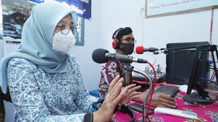 SMPN 4 Glenmore Banyuwangi Manfaatkan Radio untuk Pembelajaran Jarak Jauh