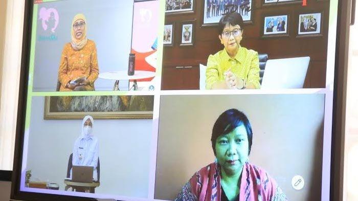 Bersama Menlu, Bupati Ipuk Bahas Perlindungan Pemberdayaan Pekerja Migran dan Keluarganya