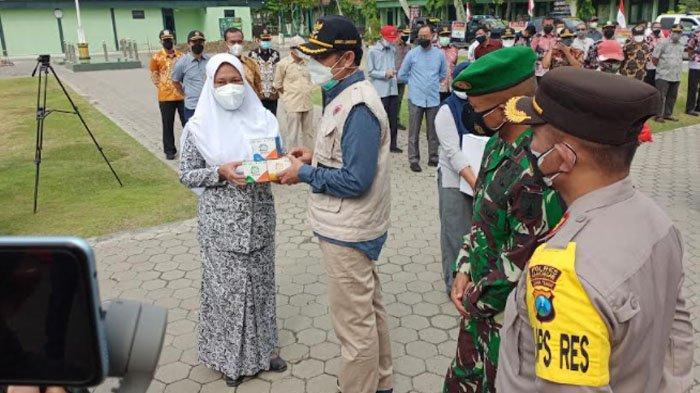 Isoman Terpusat Direspon Cepat, TNI, Polri dan Pemkab Lamongan Langsung Gelontor Bantuan