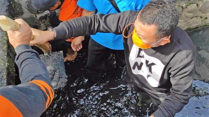 Bupati Ponorogo Sugiri Sancoko Bersihkan Got Bersama Relawan