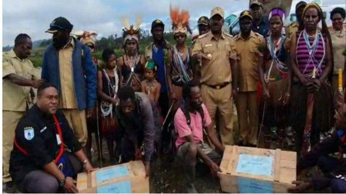 Bupati Puncak Kutuk Keras Ulah KKB Papua, Beri Tantangan: Kalau Mau Perang, Kami Siapkan Lapangan
