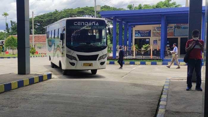 Jeritan Sopir Bus Ponorogo Terkait Larangan Mudik Lebaran 2021