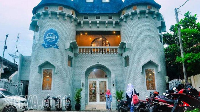 VIDEO - Cafe Blessing Castle Kediri, Berasa Nongkrong di Zaman Putri Cinderella